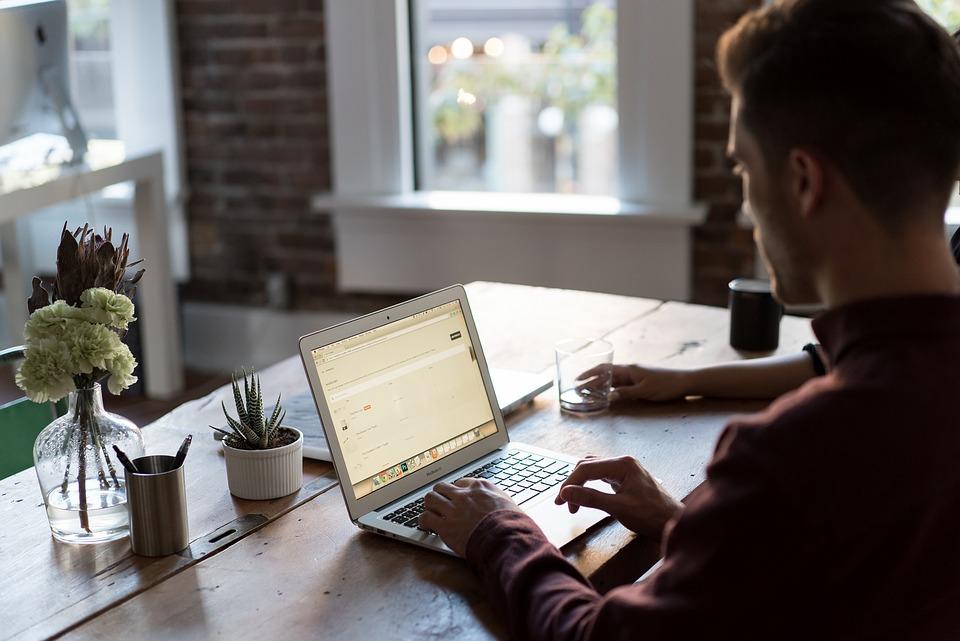 Een website voor je bedrijf opzetten: zo doe je dat