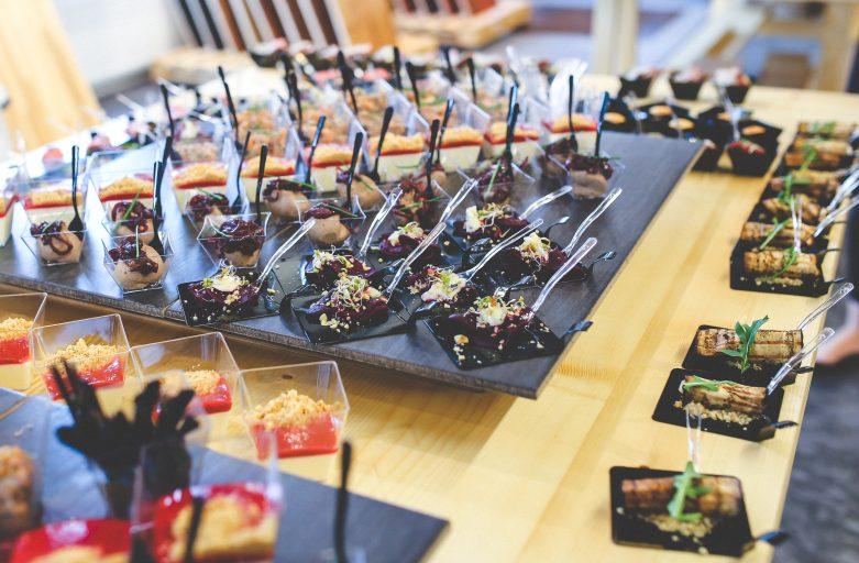 Hoe kun je catering binnen je onderneming het beste regelen?