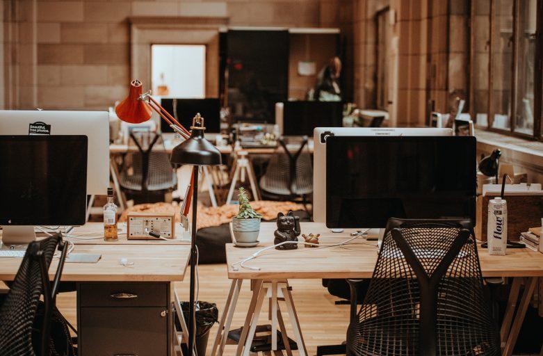 Zo creëer je een hip en industrieel kantoor